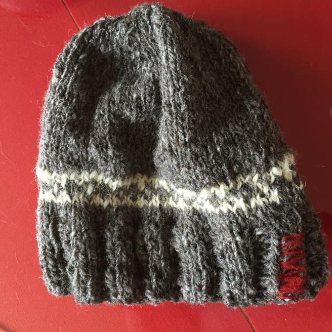 28 mai 16 bonnet entièrement filé et tricoté main
